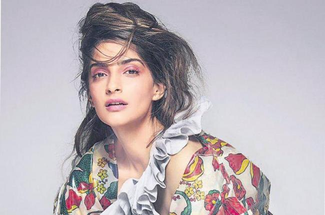 Sonam Kapoor to star in Hindi remake of South Korean film - Sakshi