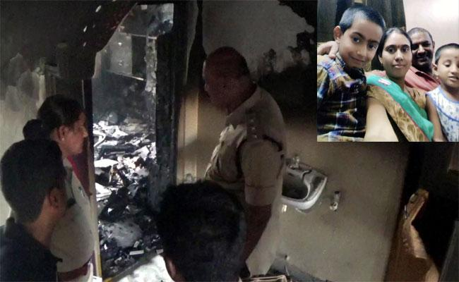 A Woman Was Burnt Alive In Rajivnagar Dari Yatapalem - Sakshi