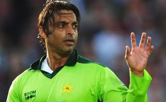 Akhtar Picks Kohlias Toughest Batsman To Bowling - Sakshi