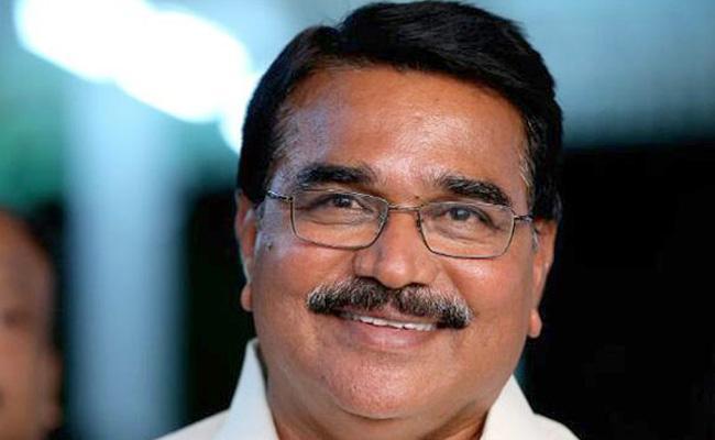 Minister Niranjan Reddy Launches Rythu Mitra Mobile App In Siddipet - Sakshi