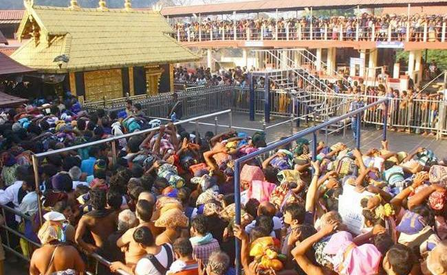 Heavy Rush At Sabarimala Temple Kerala - Sakshi