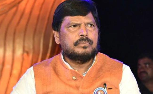 BJP Needs To Think CM Post To Sena Says Ramdas Athawale - Sakshi