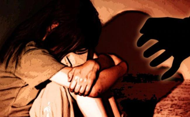 Gurgaon Teen Ties Cousin To Bed Molestated Her - Sakshi