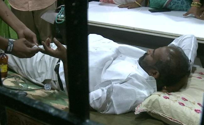 TSRTC Strike: Manda Krishna Arrest in Nacharam - Sakshi