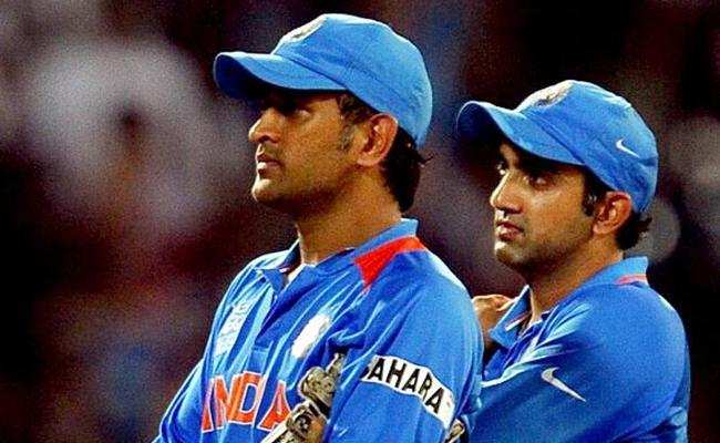 Gambhir blames MS Dhoni's Reminder For Missed Hundred - Sakshi