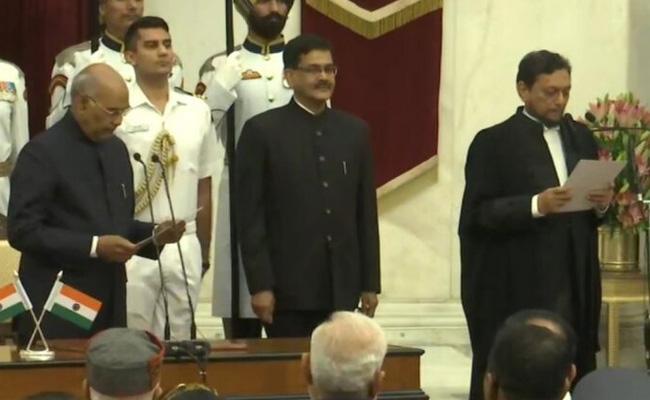 Justice SA Bobde Sworn As 47th Chief Justice Of India - Sakshi