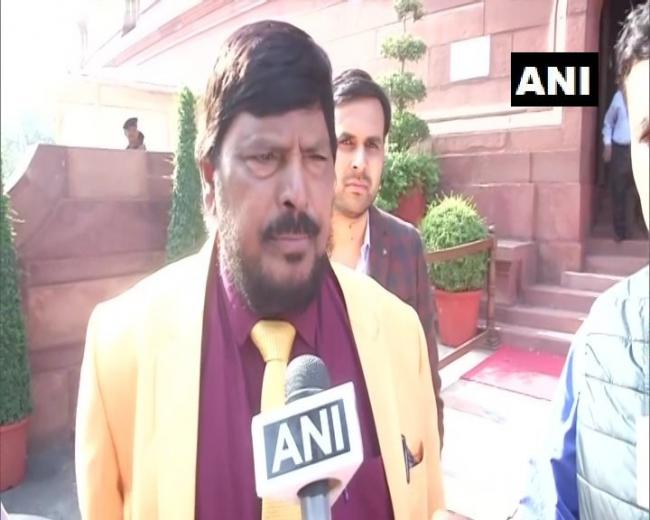 Ramdas Athawale Proposed New Formula For Maha Politics - Sakshi
