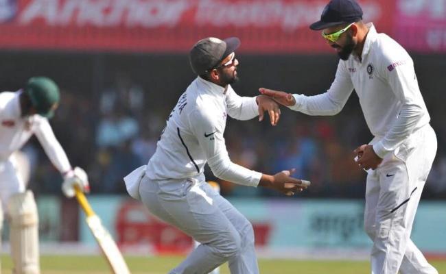 Dhawan And Kohli Reacts To Rahane's Pink Ball Photo - Sakshi
