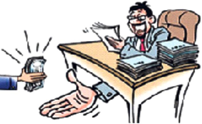 Revenue Officer Corruption In Kurnool Over  ACB Rides - Sakshi