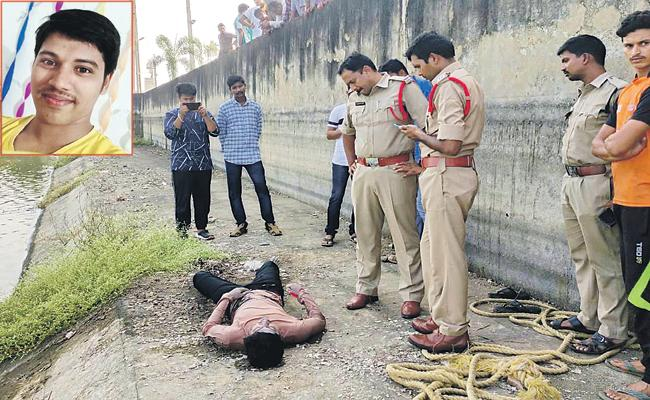 Suicide of a Young Man with Women SI Harassment - Sakshi