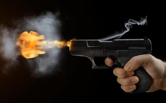 7 killed in shooting at Oklahoma and Los Angeles - Sakshi