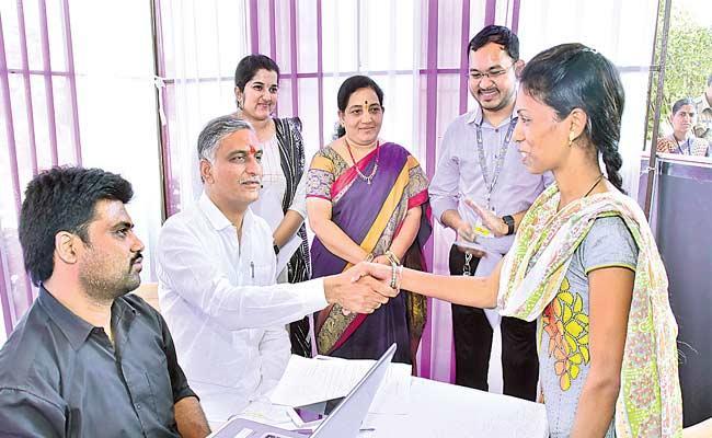 We Won't Leave Youth Until They Settled Says Harish Rao - Sakshi