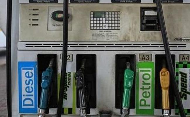 Petrol rates soar on 6th consecutive day, diesel up too - Sakshi