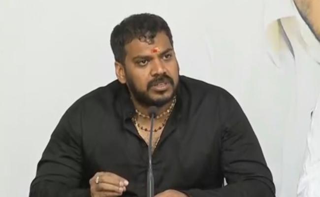 Pawan, chandrababu suffers from identity crisis, says Anil kumar yadav - Sakshi