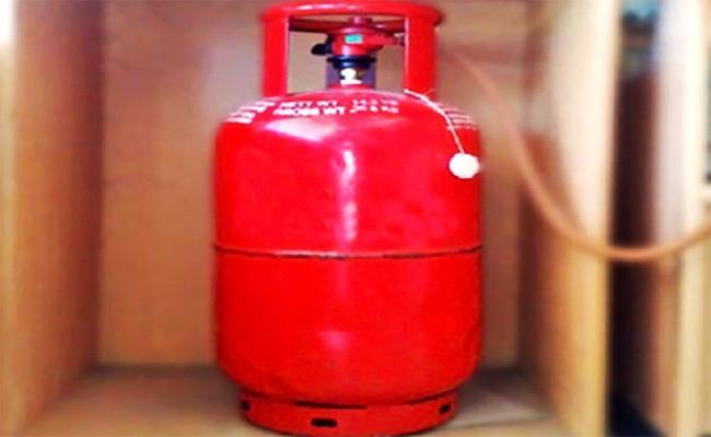 Gas Cylinder Price Again Hyderabad - Sakshi