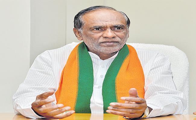 If RTC Privatization Benefits BJP Wont Oppose Says Laxman - Sakshi