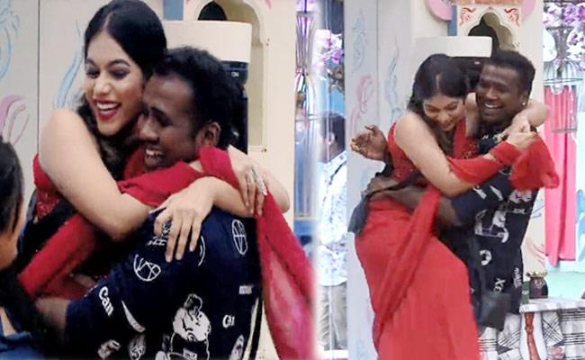 Bigg Boss 3 Telugu: Grand Reunion Of All Contestants - Sakshi