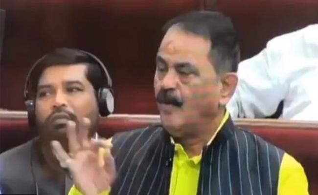 MLA Blows Flying Kiss To Speaker In Odisha Assembly - Sakshi
