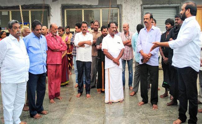 Kovur MLA Nallapareddy Prasanna Kumar Reddy Is Outraged - Sakshi