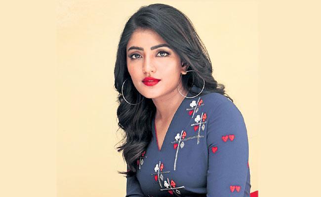Ready For Glamorous Roles Says Eesha Rebba - Sakshi