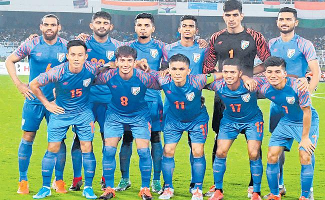 India Lose The Football Match Against Oman - Sakshi