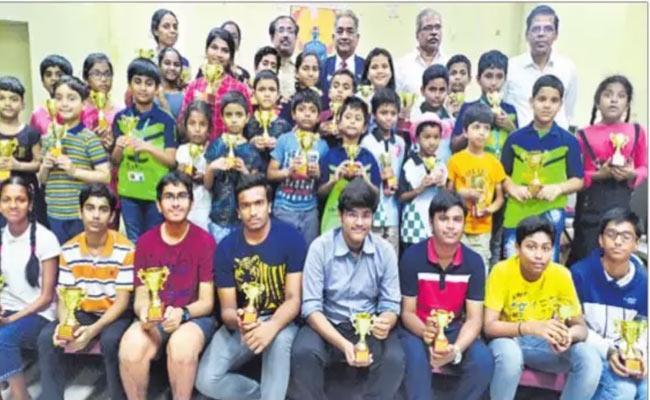 Telangana State Ranking Chess Tournament: Vishruth And Sneha Champions - Sakshi