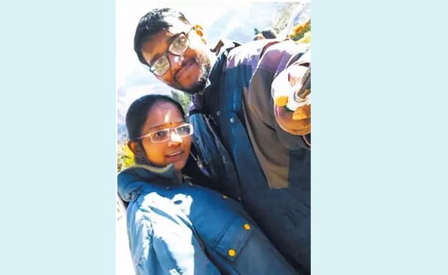 Tragedy Ending New Couple Honeymoon Trip In Manali - Sakshi