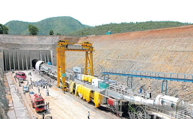 YS Jagan directs to complete the first phase of Veligonda Project by June - Sakshi