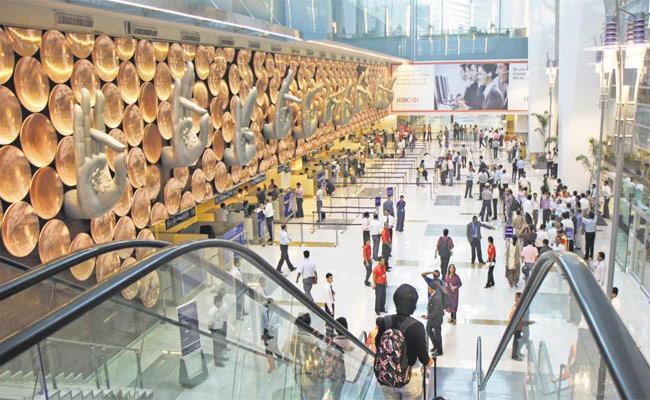 145 Indians Deported From US, Land In Delhi - Sakshi