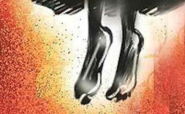 Girl Suicide at Pullampet School in YSR District - Sakshi