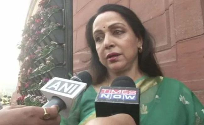 Hema Malini Respond On Skipping Parliament pollution debate - Sakshi