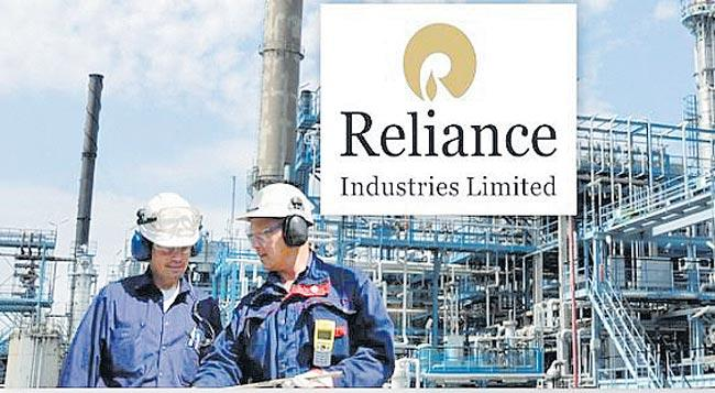 Mukesh Ambani is RIL becomes world's 6th largest oil company - Sakshi