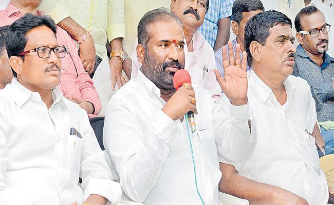 Telangana RTC Workers Decide To End Strike - Sakshi