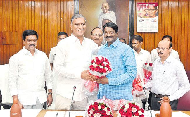 Dont Misuse Public Money Says Gutta Sukhender Reddy - Sakshi