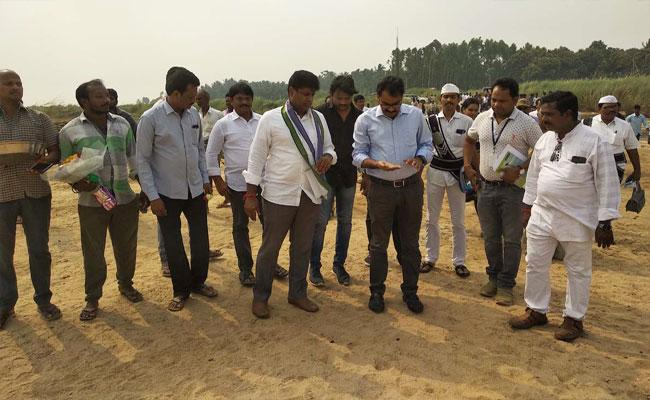 District joint Collector Said No Shortage Of Sand In West Godavari - Sakshi