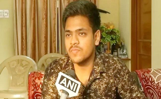 Mayank Pratap Singh From Jaipur Set To Become India Youngest Judge - Sakshi