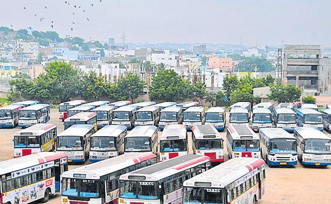 RTC Workers Ready To End Strike In Telangana - Sakshi