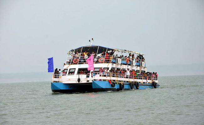 Department of Tourism Has Canceled a Boat Trip From Sagar to Srisailam - Sakshi