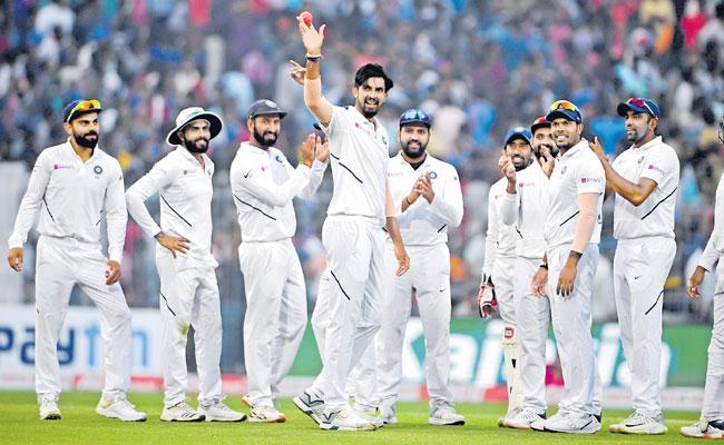 Bangladesh 106 all Out In First Innings Of Kolkata Test - Sakshi