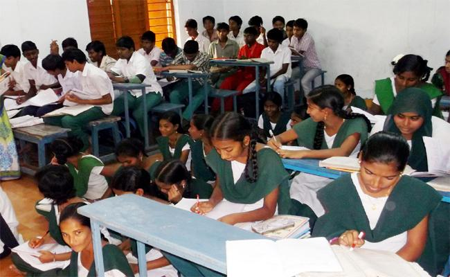 English Medium Started In YS Rajasekhara Reddy Tenure - Sakshi