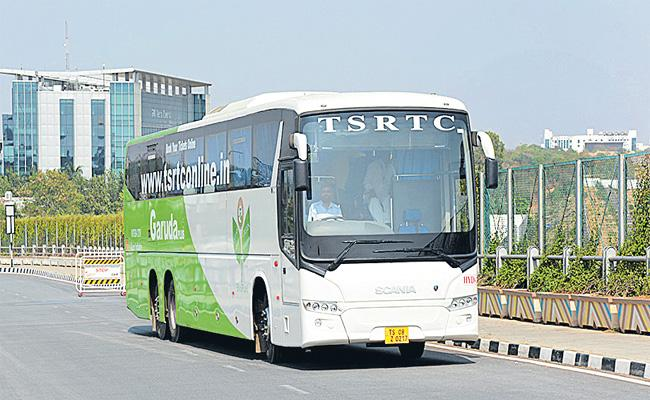 Officers Ready To Give Notification For TSRTC Routes Privatisation - Sakshi