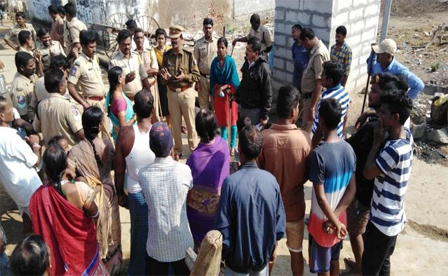 OHE Wire Broken By the Throwing of the Gudumba Bags in Mahabubabad - Sakshi