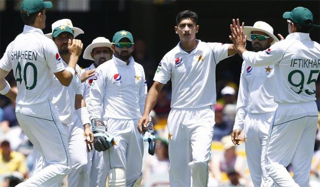 Pakistan Cricketers Players Invited Indian Taxi Driver for Dinner - Sakshi
