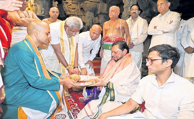 Supreme Court CJ Visited Tirumala Temple  - Sakshi