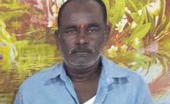 RTC Driver Dies of Heart Attack in Nizamabad - Sakshi