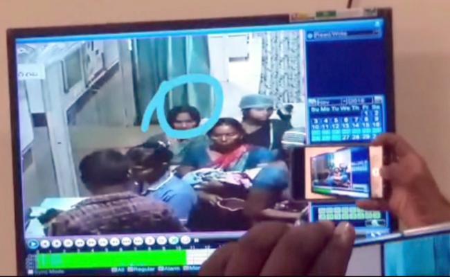 15 days Old Infant Kidnap At Khammam Hospital - Sakshi