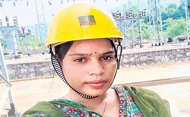 Odisha Girl Battles Poverty  Ridicule To Become Queen of Transmission Tower - Sakshi