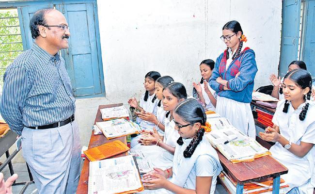 Telangana Education Department Focus On Tele Tuitions In Govt Schools - Sakshi
