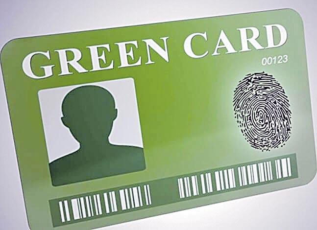 Over 2.27 lakh Indians waiting for Green Card in USA - Sakshi