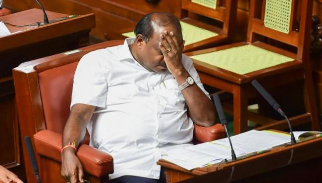 Our Family has a Patent on Crying says kumaraswamy - Sakshi